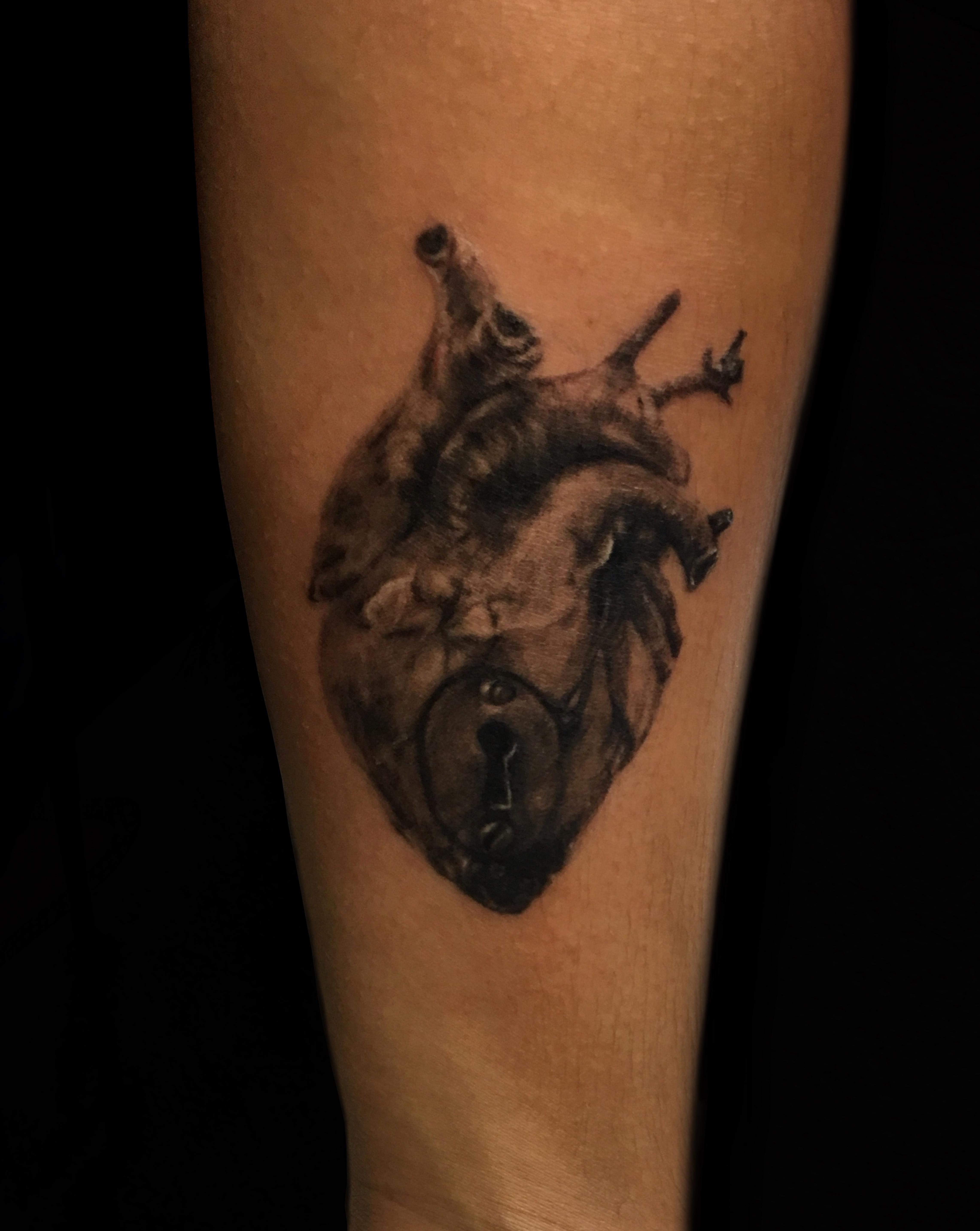 Miltonlzd | Magik 5 Tattoo Artist Profile